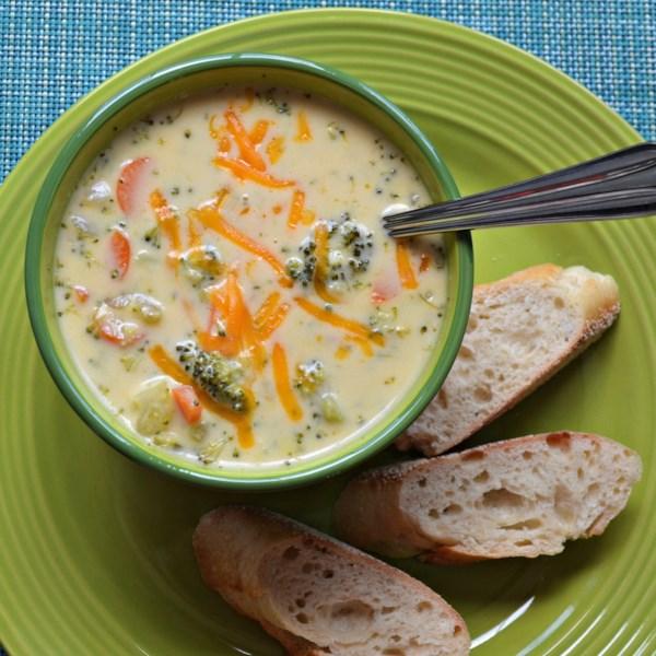 Receita caseira de brócolis e sopa de cheddar