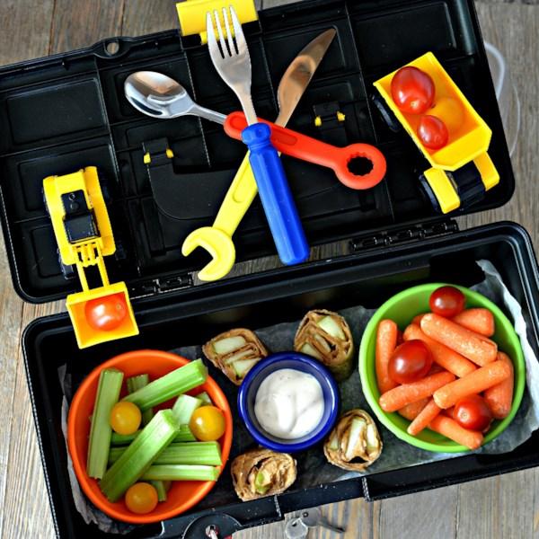 Receita de almoço de caixa de ferramentas bento aprovada por crianças