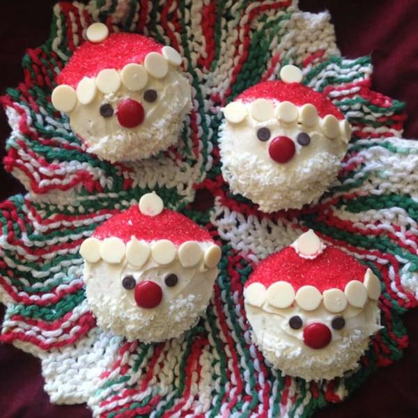 Receita de Cupcakes de Papai Noel de Natal