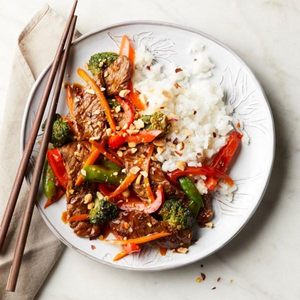 Receita asiática de bife e fritura vegetal