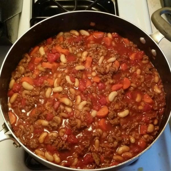 Receita italiana de sopa de salsicha e tomate