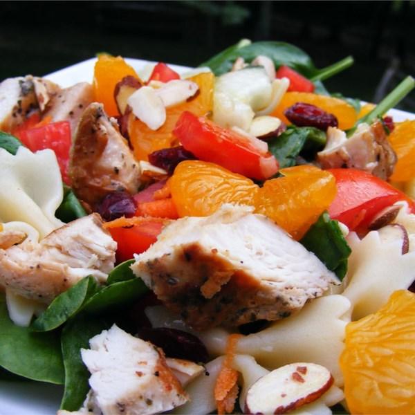 Receita de Salada de Macarrão de Frango com Mandarim
