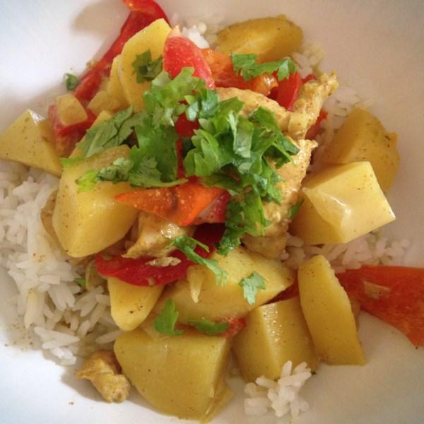 Fácil Panela Lenta Frango Curry com Batatas e Receita de Leite de Coco