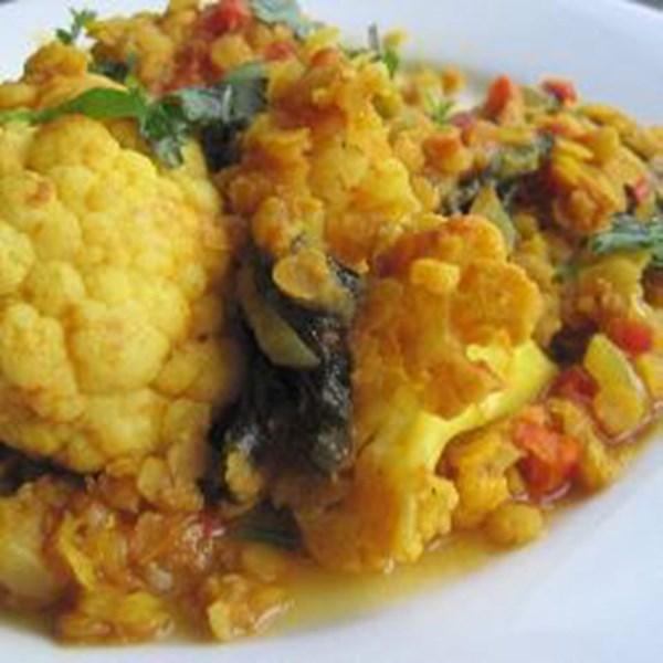 Receita de Curry Vegano com Tomates, Couve-Flor e Lentilha