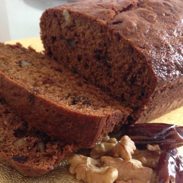 Receita britânica de bolo de pão de data e nozes