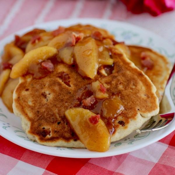 Receita de Panquecas de Maçã de Bourbon de Bacon