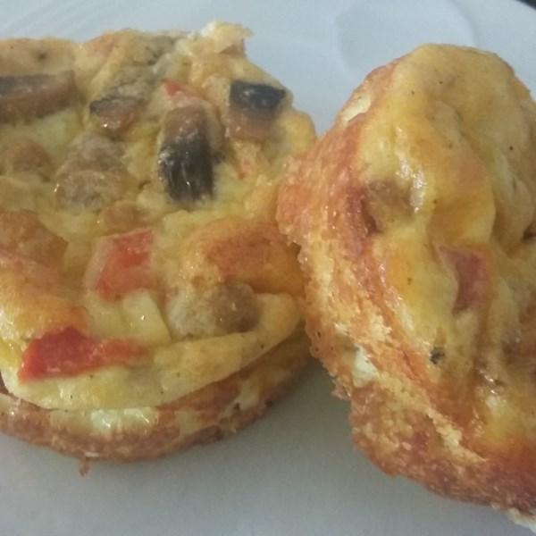Muffins de omelete com Receita de Salsicha e Queijo
