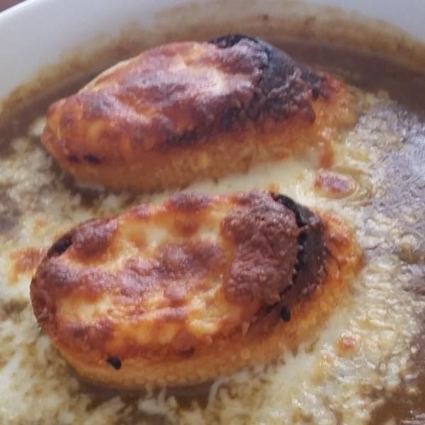 Sopa de Cebola Francesa com Receita caseira de carne bovina