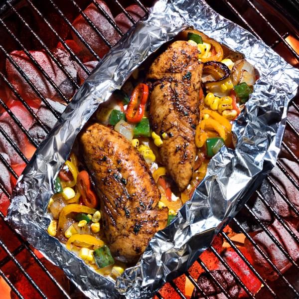 Pacotes de frango do sudoeste da receita reynolds wrap(r)
