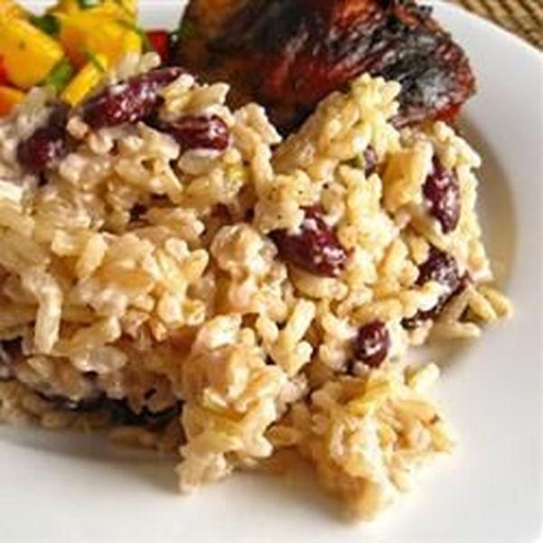 Receita de Feijão Jamaicano e Prato de Arroz