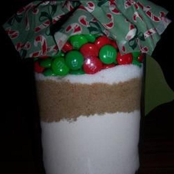 Mistura de biscoitos de chocolates revestidos de doces em uma receita de jarra