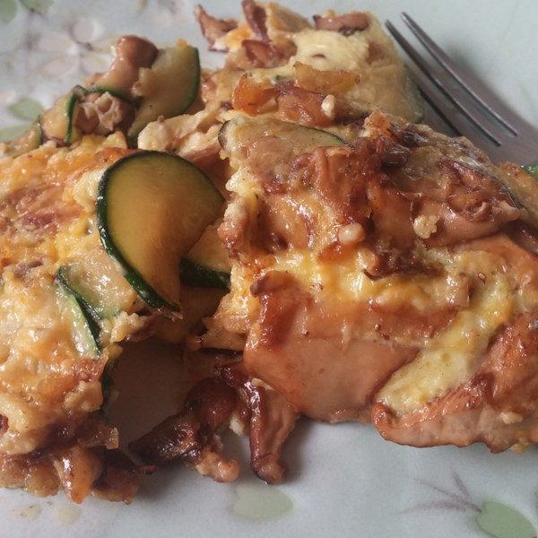 Ceto Omelete com Receita de Cogumelos De Abobrinha e Chanterelle