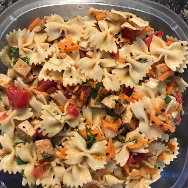 Receita de Salada de Macarrão de Tofu