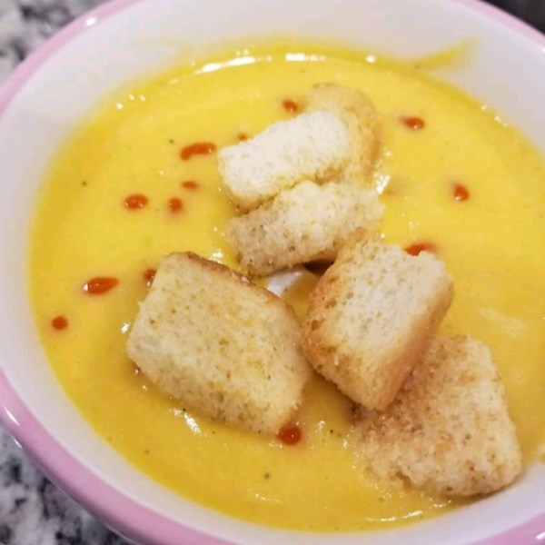 Sopa de abóbora com uma receita de pontapé