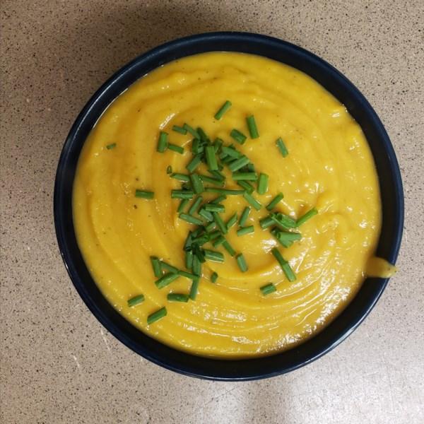 Receita de Sopa de Colheita de Manteiga e Maçã