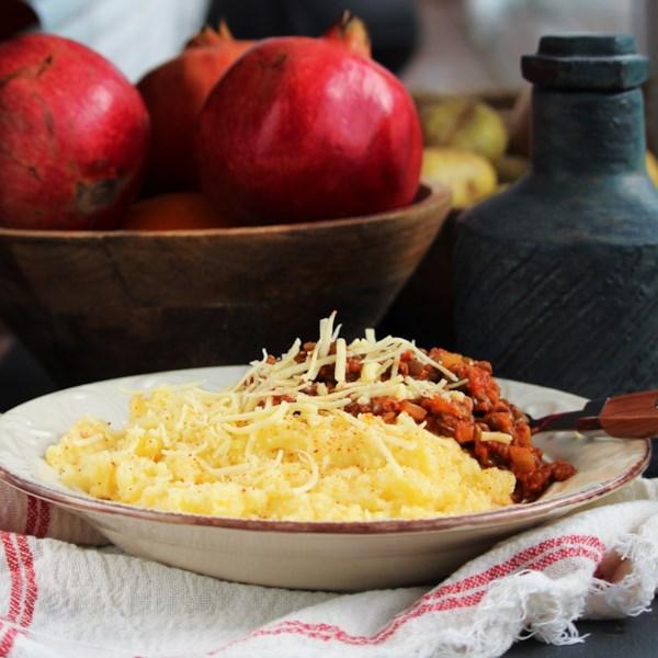 Polenta Vegana com Receita de Ragu