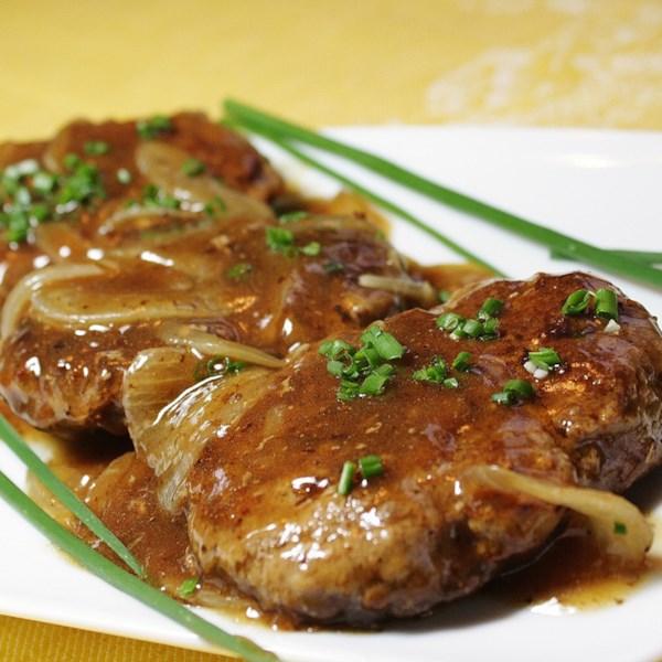 Hambúrguer Bife com Cebola e Receita de Molho
