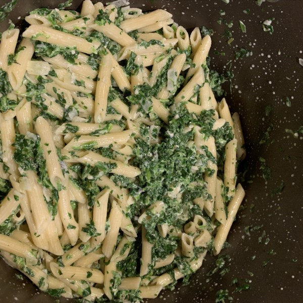 Receita cremosa de massa de espinafre gorgonzola