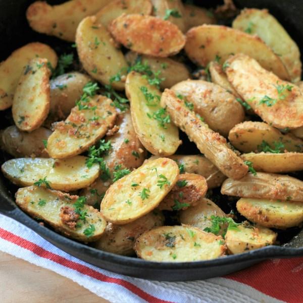 Receita de Batatas Dedimentadoras de Alho-Parmesão Assada