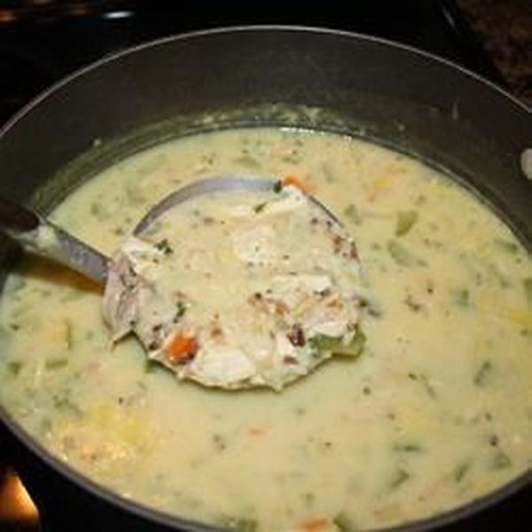 Receita de Sopa cremosa de frango e arroz selvagem