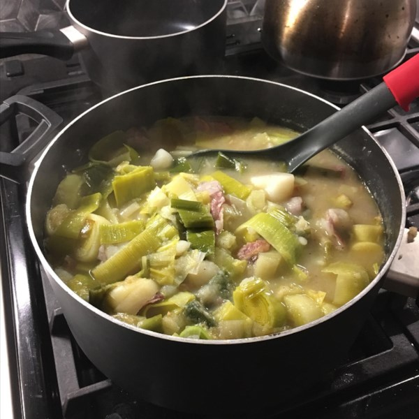 Receita de Sopa de Alho-poró de Batata Real