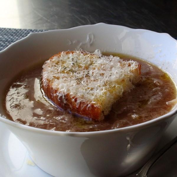 Receita de Sopa de Cebola Toscana (Carabaccia)