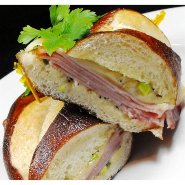 Receita de Sanduíches de Presunto Quente e Queijo