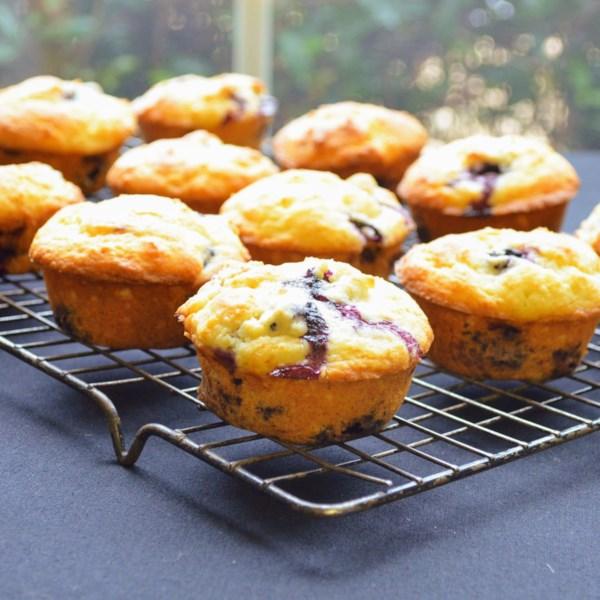 Receita de Muffins de Mirtilo do Chef John
