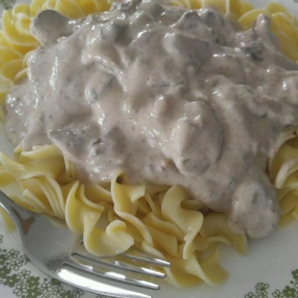Receita de Estrogonofe de Carne De Panela Lenta da Daria