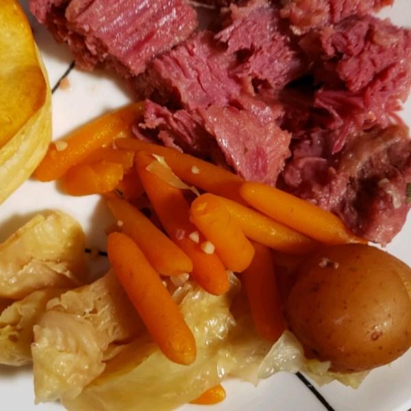 Receita fácil de carne enlatada e repolho