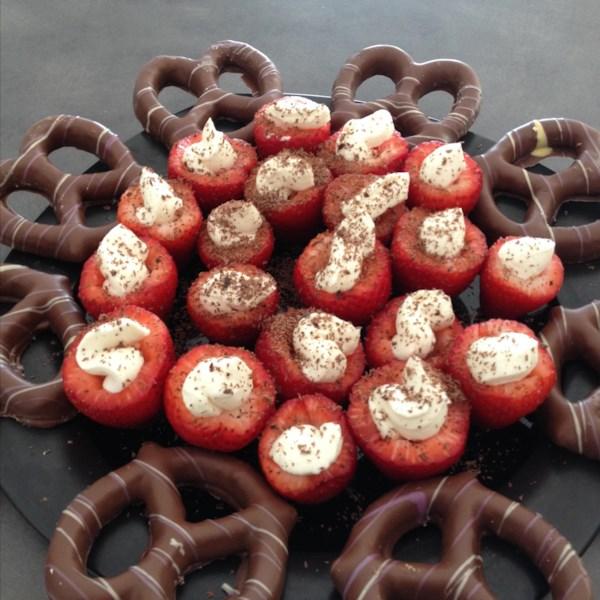 Receita de Morangos Recheados com Cheesecake