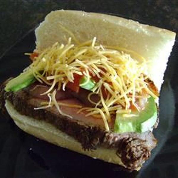 Carne Asada Steak Sandwich com Receita de Salada de Abacate