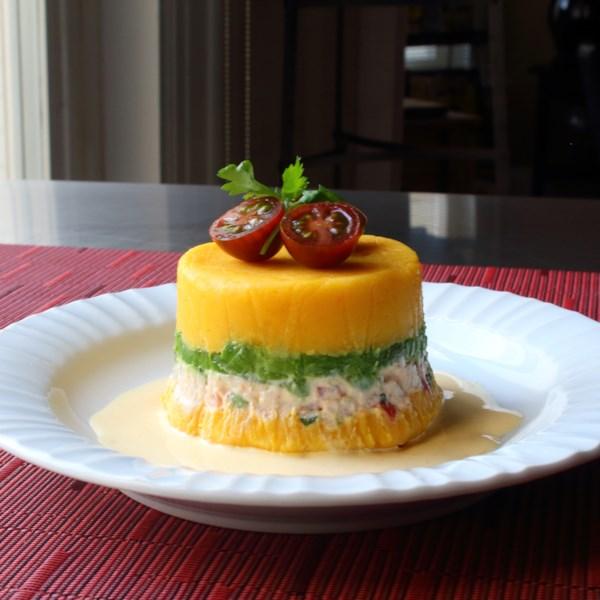 Salada peruana de batata-frango (Causa Rellena) Receita