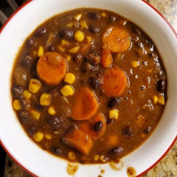 Receita de Sopa de Feijão Preto Vegano