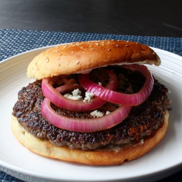 Receita de Hambúrguer de Bife Preto e Azul