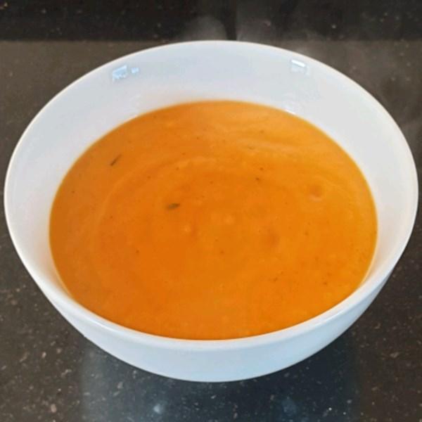 Sopa de Cenoura com Batatas e Creme De Leite