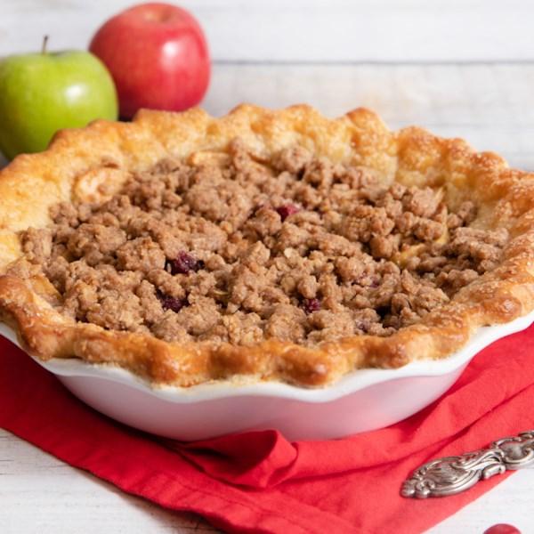 Receita de Torta streusel de maçã de cranberry de açúcar reduzido