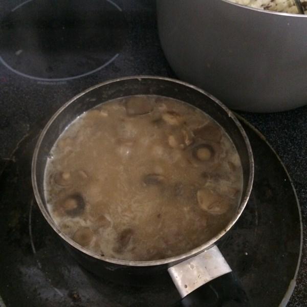 Receita de Molho de Cogumelo do Chef John