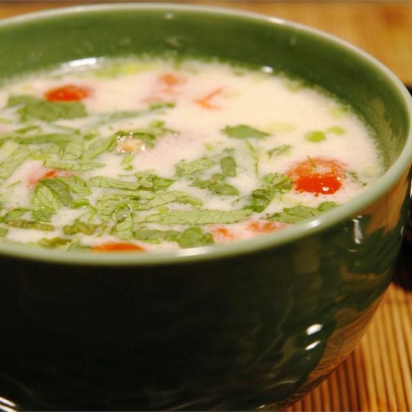 Receita de Tom Ka Gai (Sopa de Frango de Coco)