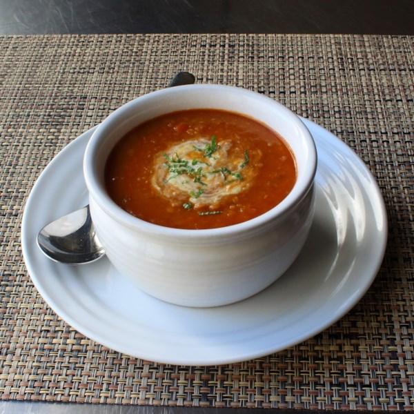 Sopa de Lentilha Vermelha com Receita de Iogurte de Limão-Hortelã