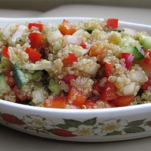 Receita de Salada de Quinoa Mediterrânea