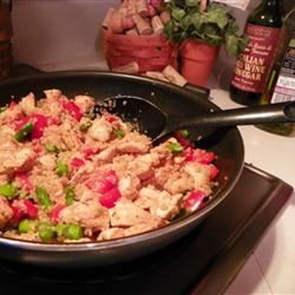 Quinoa com Frango, Aspargos e Pimentas Vermelhas Receita