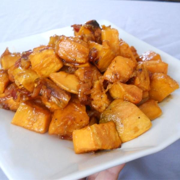 Maple Batatas Doces Envidraçadas com Bacon e Receita de Cebola Caramelizada