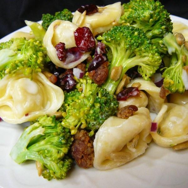 Receita de Salada de Brócolis e Tortellini