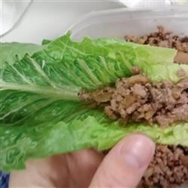 Envoltórios de alface de peru com receita de cogumelos shiitake
