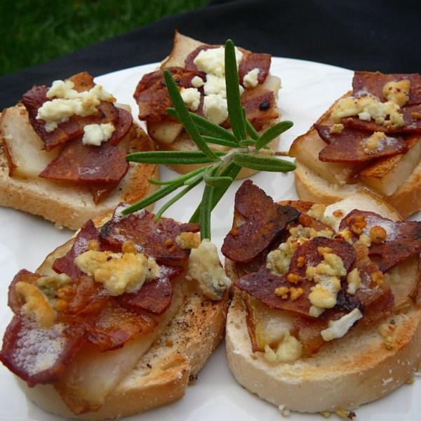 Receita de Sanduíches de Queijo Azul, Bacon e Pera