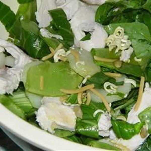 Receita asiática de salada de macarrão de frango