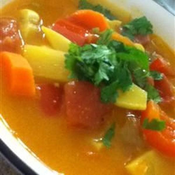 Sopa de coco tailandês usando ingredientes que você realmente tem! Receita