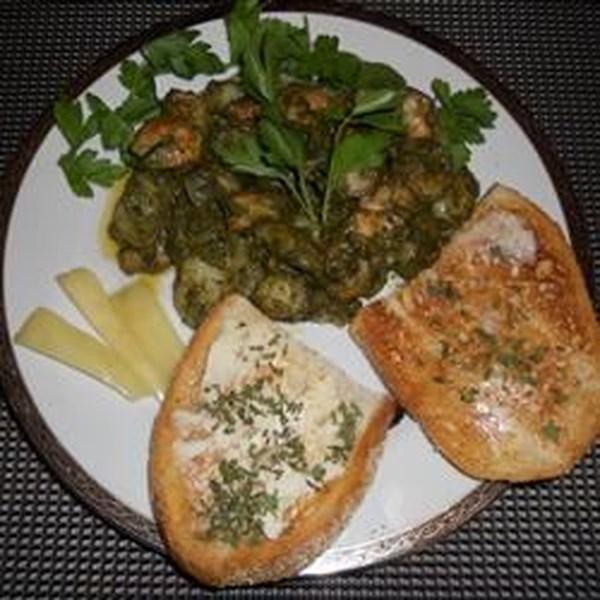 Nhoque com Pesto de Manjericão Doce e Receita de Camarão manteiga de alho