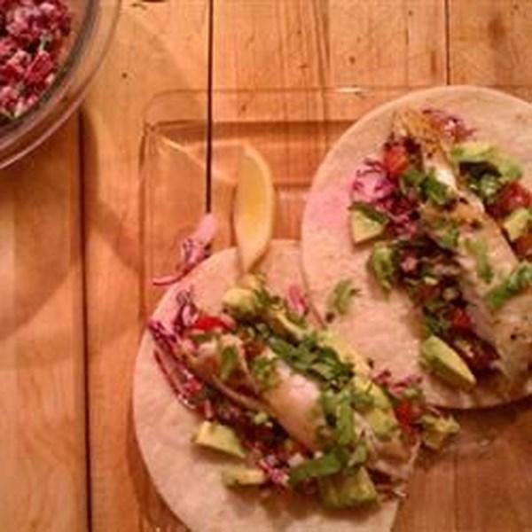 Receita de Tacos de Peixe de Tilápia Enegreada